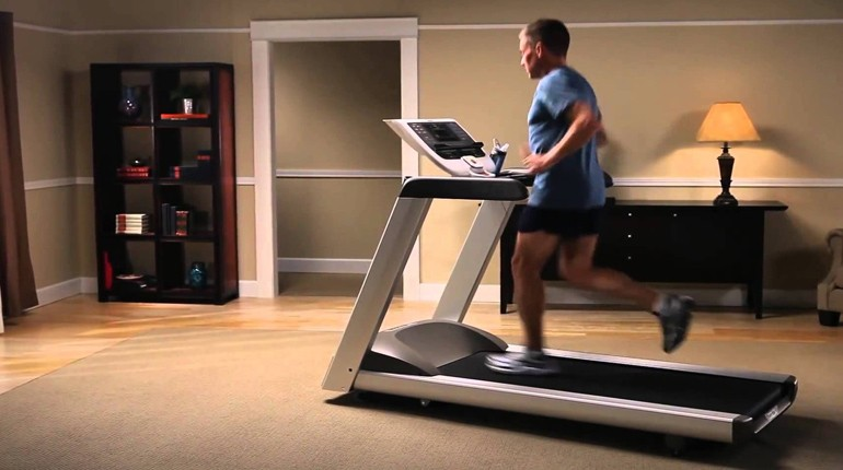 How to Choose a Treadmill For Seniors
